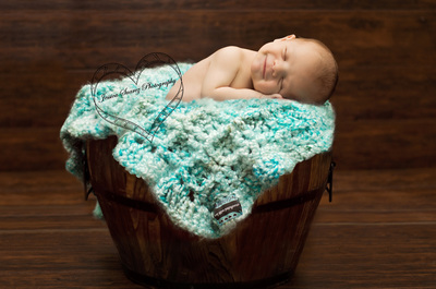 newborn pictures by Jessica Suarez Photography San Antonio, Texas