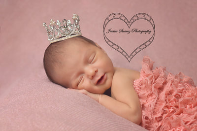 newborn pictures with Jessica Suarez Photography San Antonio, Texas
