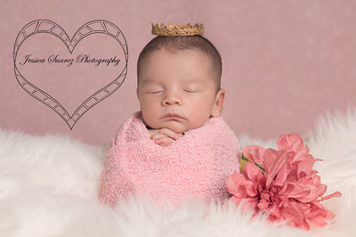 Newborn pictures and in home Newborn photo shoots  by Jessica Suarez Photography